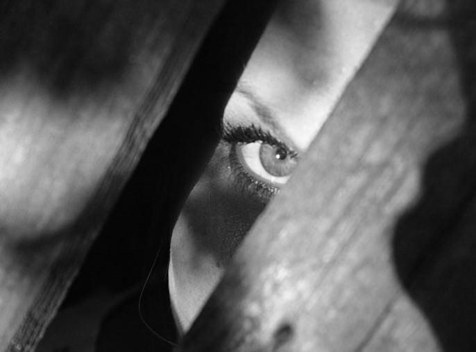 Spioncino digitale: è legale montare uno spioncino digitale nella porta di casa?