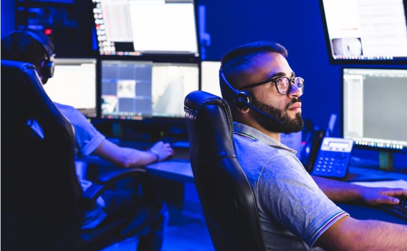 Help Desk panoramica a due postazioniHelp Desk panoramica a due postazioni