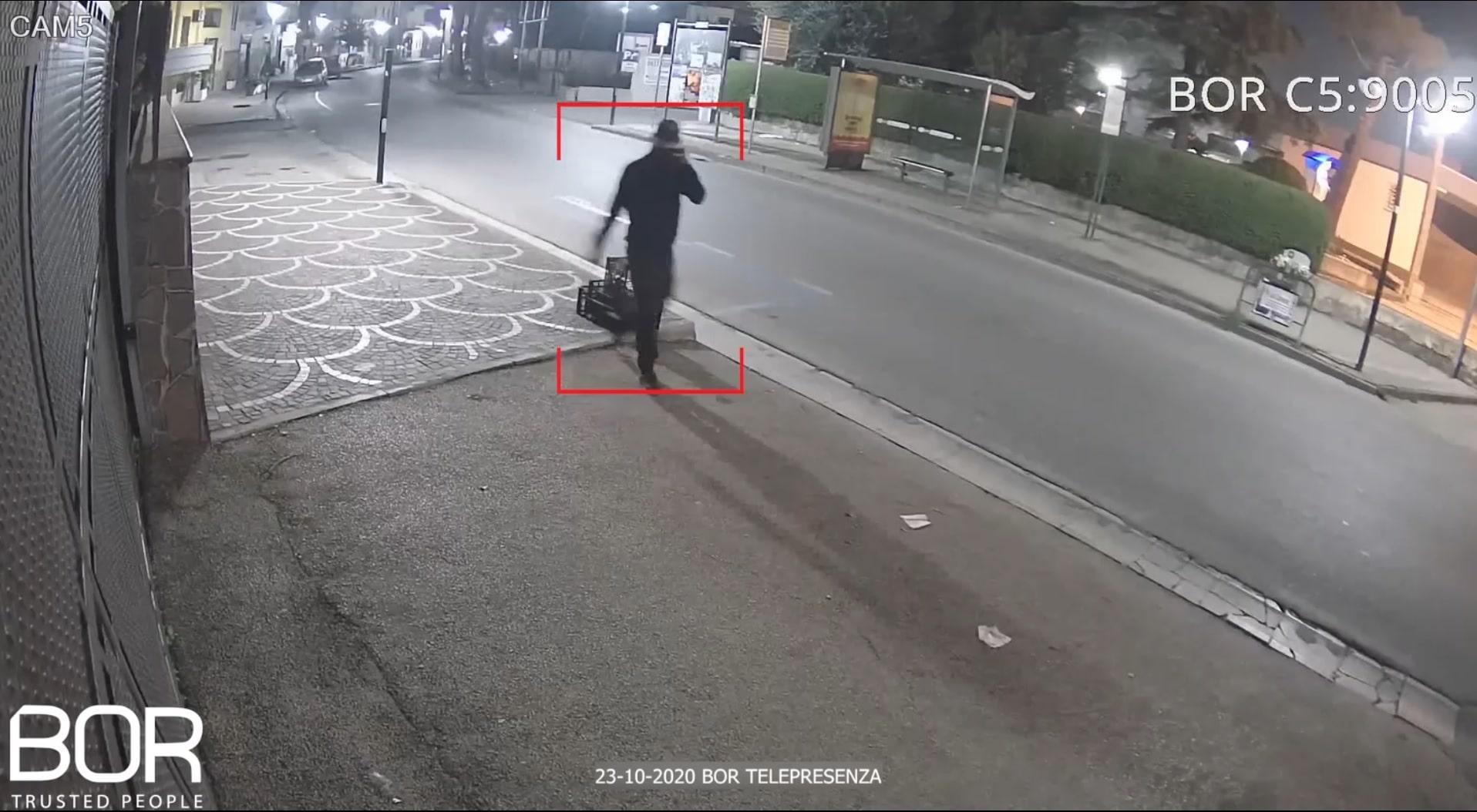 Coprifuoco violato a Volla (NA): tre sospetti sorpresi a girovagare nei pressi di un'abitazione da BOR!