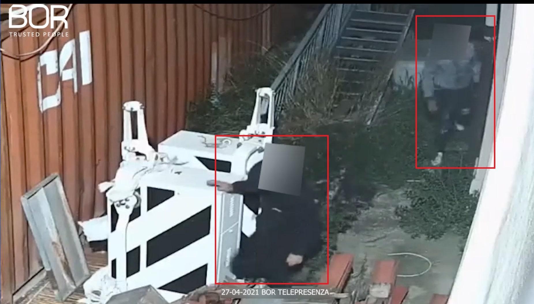 Malviventi costretti alla fuga da un cantiere ferroviario a Foggia