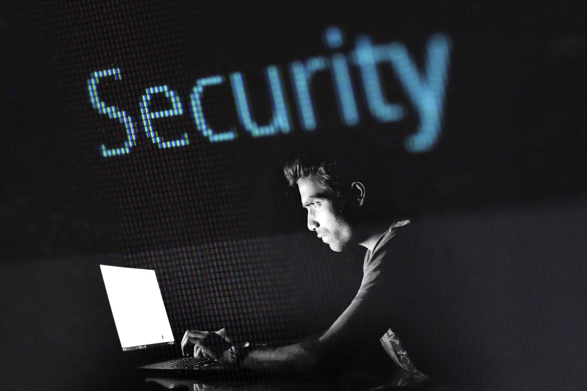 Come è punito il furto di identità digitale