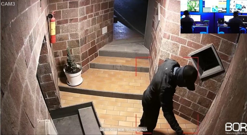 Intrusione dissuasa in villa a LICOLA PATRIA - POZZUOLI